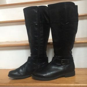 Gently used WIDE leg boot